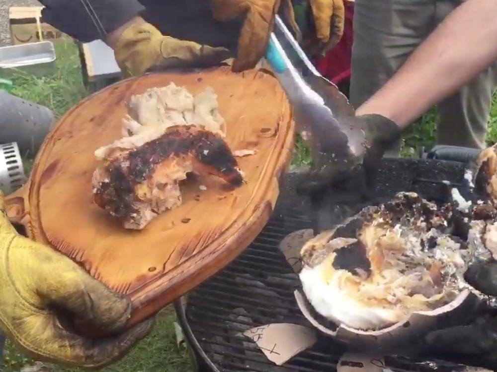 鶏肉の塩釜焼き