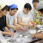 グルテンフリーの米粉パンが家でも簡単に作れるらしい。お米パン教室へ。