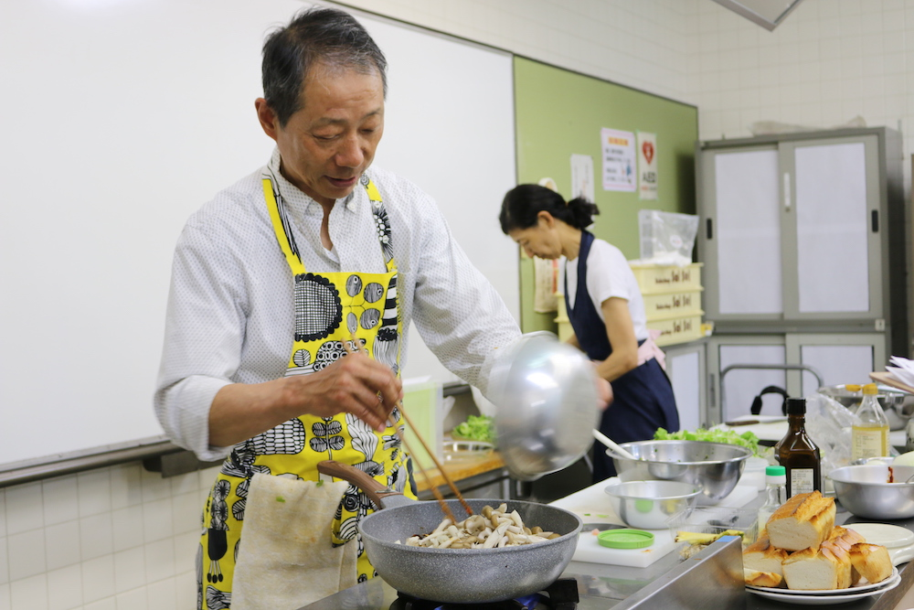 Mr Iyama cooking